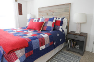 Americana room with queen bed, ludlow, VT vacation rental home