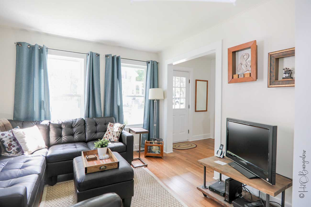 comfy living area in vacation rental in Ludlow, VT